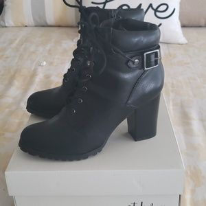 Black ankle bootie with heel